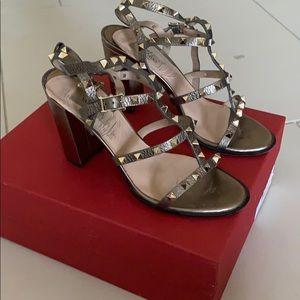Valentino Rockstud Sandal Size 40.5